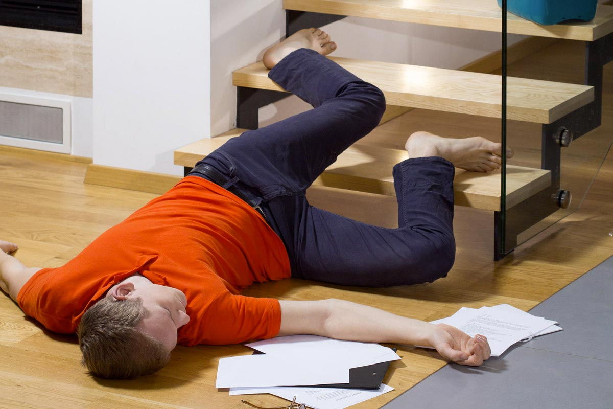 Danni condominiali - caduta dalle scale, Infortunistica Tossani