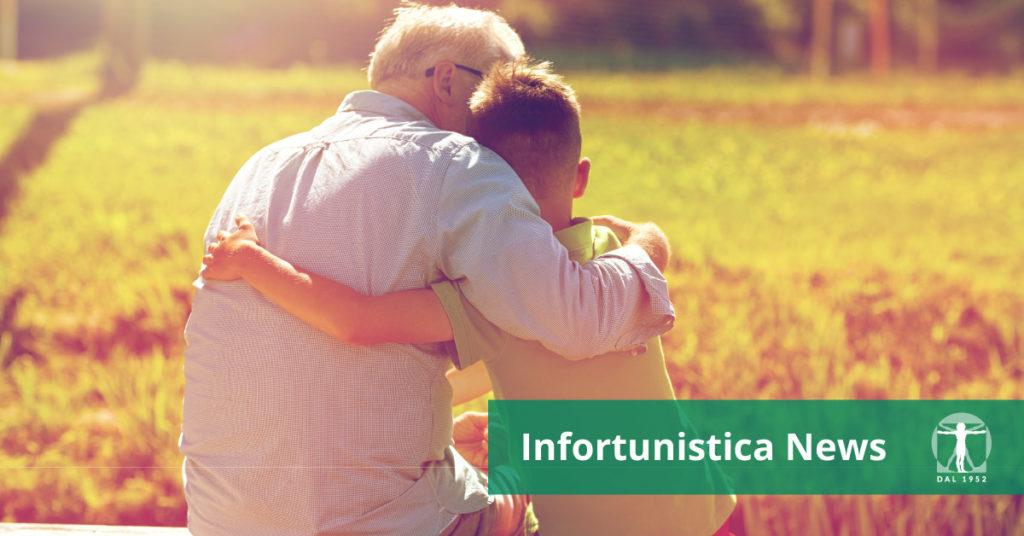 anziano e bimbo si abbracciano, Infortunistica Tossani
