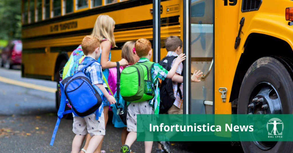 bambini salgono su scuolabus, Infortunistica Tossani